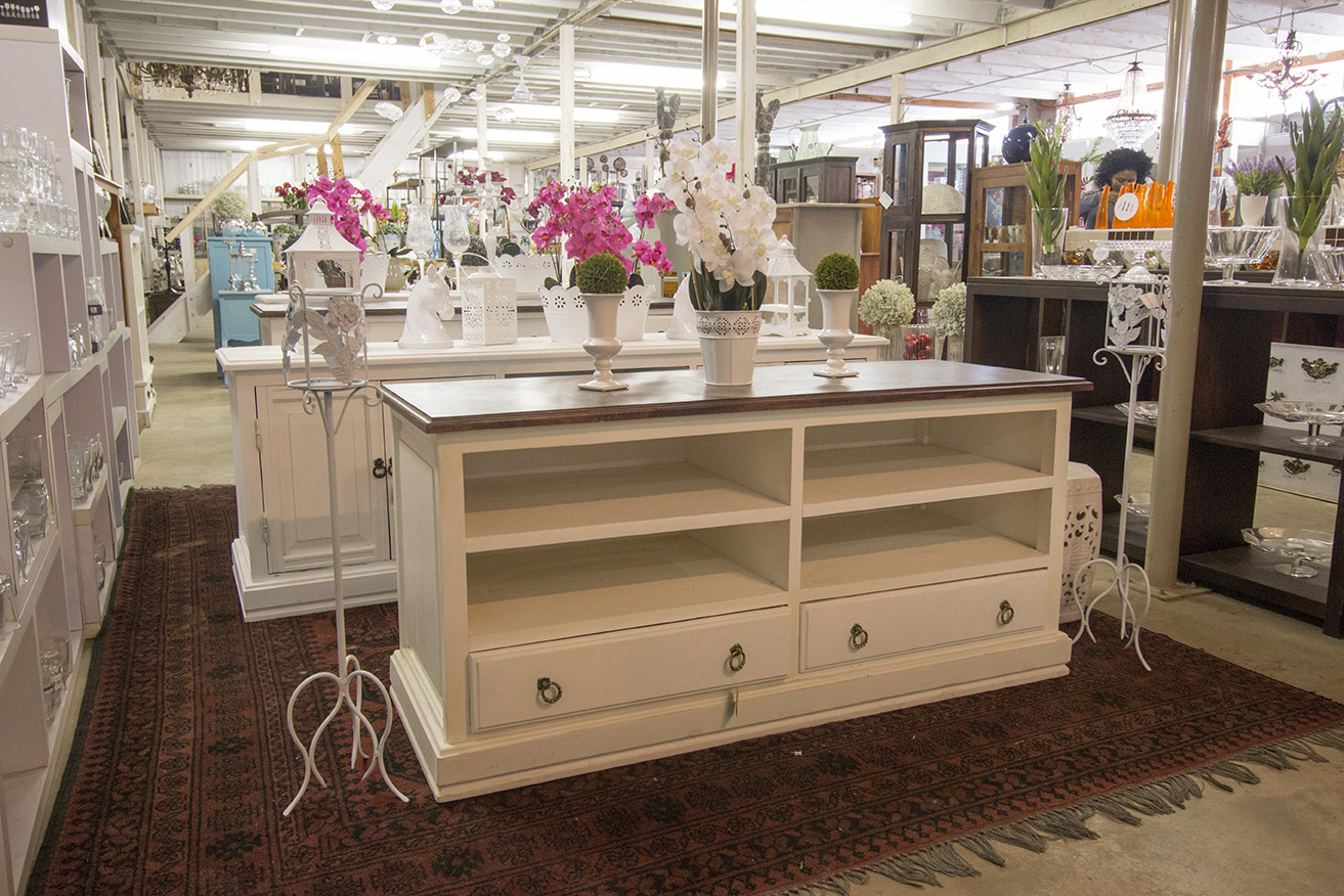 IMG_7985cabinetwhite